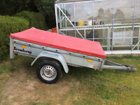 CAR TRAILER WITH COVER