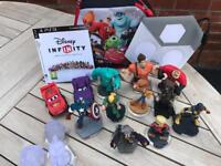 Disney Infinity Game includes DVD (PS3 / XBox360), portal, figures & carry case