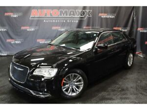 2017 Chrysler 300 Limited w/Leather/Nav/Pano Roof!