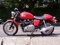 2011 Triumph Thruxton - Diablo Red - 2994 mls.