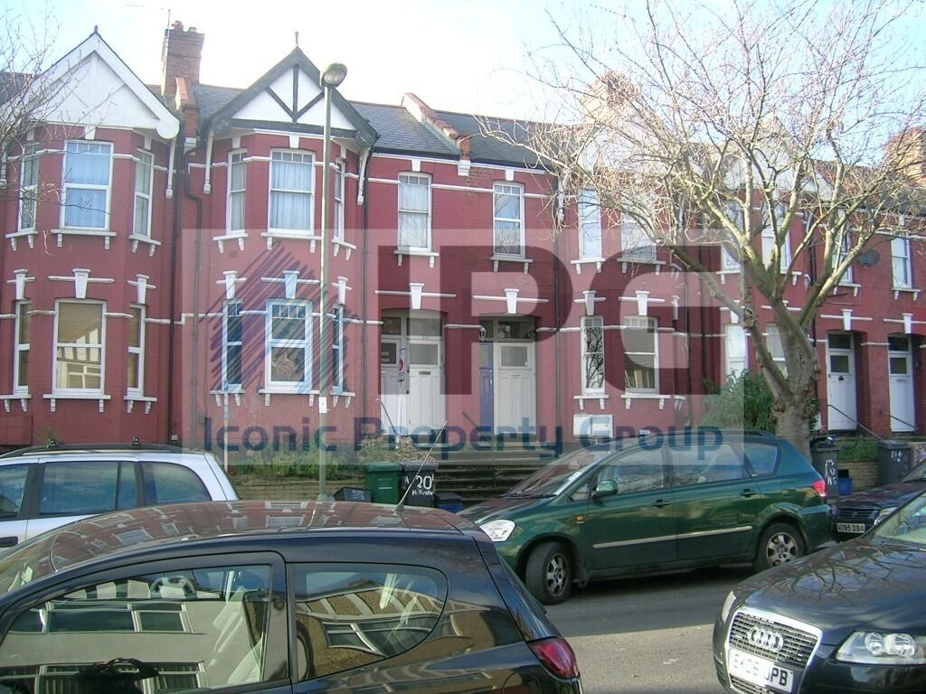 Spacious 2 Double Bedroom Ground Floor Property With Private Garden Located In Hendon. Available