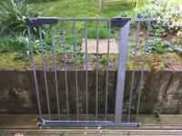 Stair gate / dog gate