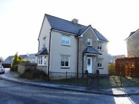 Stunning three bedroom detached house - long-term let available
