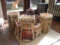 wodden ELC castle the castle of courage plus 5 monster figures