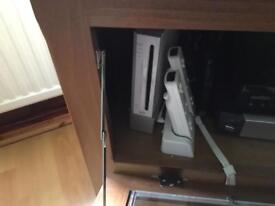 Wii console with games and bundle