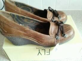 Fly ladies wedge heel shoes