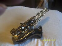 "A "" BLACK "" "" CURLY "" "" SOPRANO "" SAXOPHONE with GOLD LACQUER KEYS AS NEW ++++++++"