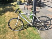 Marin Novato - 17 in frame hybrid bike - great condition