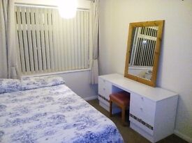 Large single Room. Mon- Fri Let