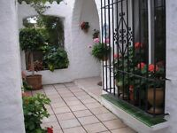 SPAIN - 3/4-bed villa for sale on Marbella's Golden Mile
