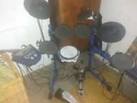 Roland TD6 V-Drums Electronic Drum Kit (with PD-85 mesh pad) + Amp + Sticks & Owners Manual