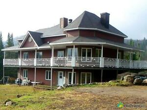 895 000$ - Maison 2 étages à vendre à Lac-Superieur