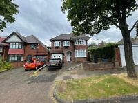 THE HURST*NEWLY REFURBISHED PROPERTY TO LET*THREE BEDROOM*OFF STREET PARKING*BEAUTIFULLY PRESENTED