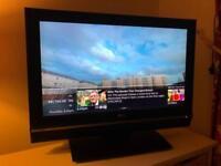 "LG 32LE2R 32"" LCD TV"