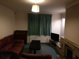Large 2 room double bedsit in Huddersfield, bills inc. shared 200mb internet
