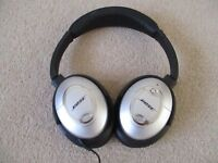 Bose Quiet Comfort 15 Noise Canceling Headphoned - Imaculate