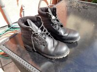 TIMBERLAND BOOTS SIZE 11.5 MENS