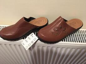New In Box - Italian Leather FlyFlot ladies slip on Mules.