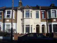 WALTHAMSTOW E17, 3 DOUBLE BEDROOM HOUSE, LARGE GARDEN, CLOSE TO TUBE, £350PW