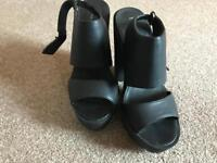 Black High Heel Shoes Size 6