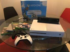 white xbox one 500gb - 2 controllers - kinect - 5 games