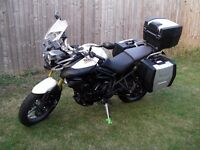 14 Triumph Tiger 800 ABS white with full luggage