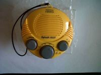 4SALE,3 NEW,STURDY,SPLASH PROOF AM/FM RADIOS, ONLY £4 EACH