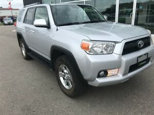 2013 Toyota 4Runner SR5 V6, Party Mode, Sunroof, Leather Interio