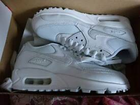 NEW Nike Air Max 90 - Size 4 or 4.5