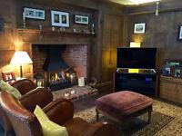 Large double room in luxury, stylish 17th century flat on Marlborough High St, large sun terrace