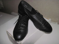 Adult TAP SHOES size 9, Freed Black Leather.