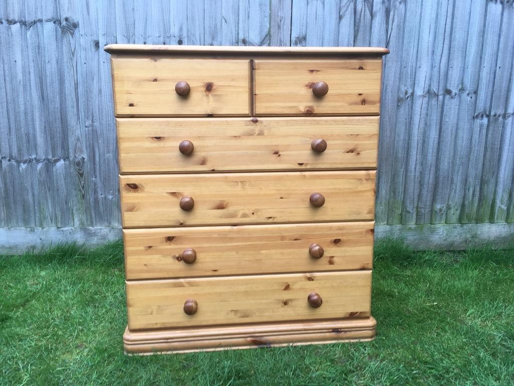 Top quality solid pine chest of drawers