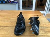 Kids metal puma football boots UK size 5.5
