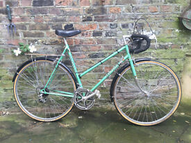 "Vintage racer bike (frame size: 56cm/22"") rideable for sale"