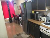 Room to rent on bridge street in city centre glas