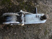 Hand winch for trailer with towball
