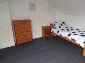 **FULLY FURNISHED DOUBLE ROOM AVAILABLE**FREE WIFI***ALL BILLS INCLUDED**IMMEDIATE MOVE IN***