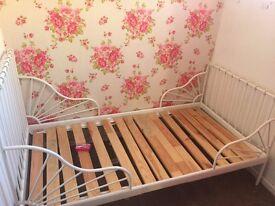 Ikea Minnen Extendable single bed