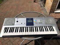 YAMAHA keyboard PSR-E323 for sale