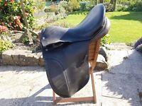 """Saddle - 17.5"""" MW Black leather VSD"""