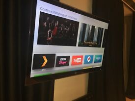 47 INCH LG LED 3D 1080P SMART TV EXCELLENT CONDITION RARELY USED INCLUDES REMOTE, STAND, BOOKS ETC
