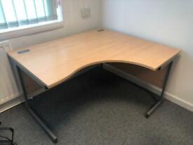 3x Corner desks