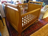 Boori Country Cot bed
