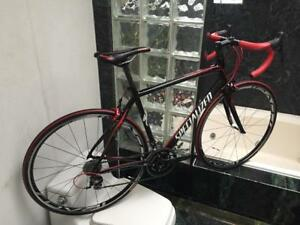 BRAND NEW (SIZE 54cm) SPECIALIZED ROUBAIX 105 CARBON ROAD BIKE