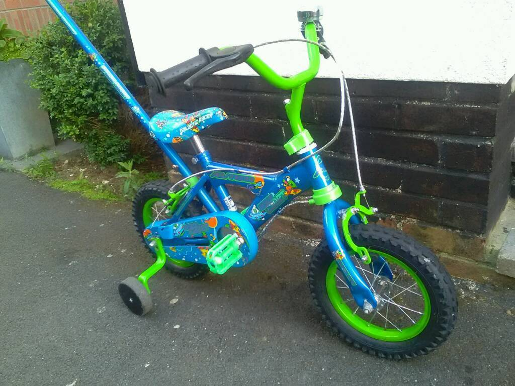 7bc455f7519 Avigo Space Cadet boys bike ,12 inch wheels, steering handle and  stabilisers in vgc