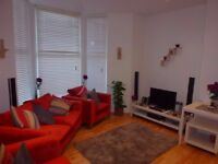 L13 Fabulous 1 bed flat with private parking in Greenfield Road