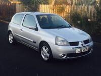 BARGAIN IMMACULATE 2005 RENALT CLIO 1.2 ( FULL MOT ) not Vauxhall, Citroen, Honda, Volkswagen,