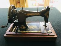 Antique Singer sewing machine 1906