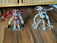 Metal figures (alien and predator)