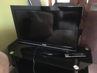 "32"" toshiba with stand"